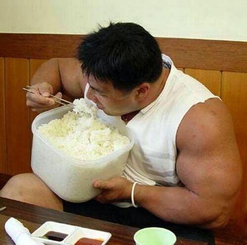 Une simple astuce de cuisson pourrait réduire de 60% le nombre de calories dans le riz !