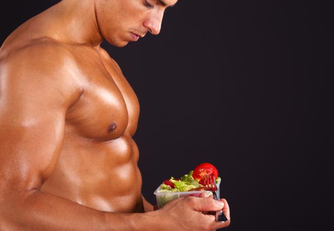 Stratégies musclées : mangez les protéines et lipides en premier !