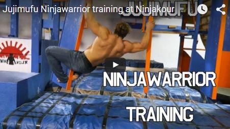 Un culturiste s'entraîne pour Ninja Warrior et c'est hilarant !