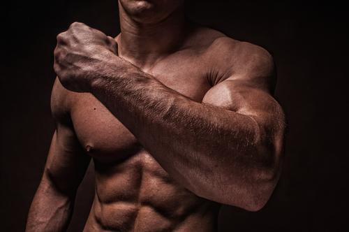 Nos 10 commandements pour avoir de gros bras