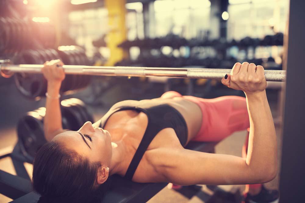 Musculation pectoraux Femme   Programme et exercices  69e37fb26f9