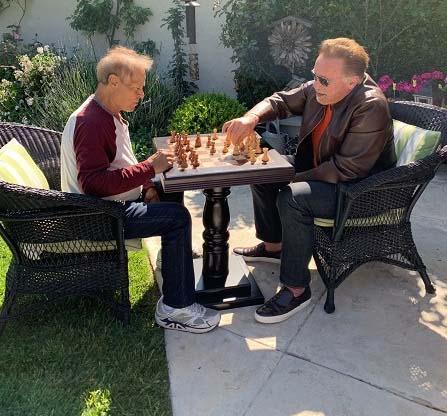Arnold et Franco toujours aux échecs