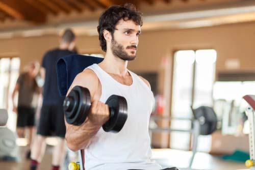 La musculation augmente la testostérone