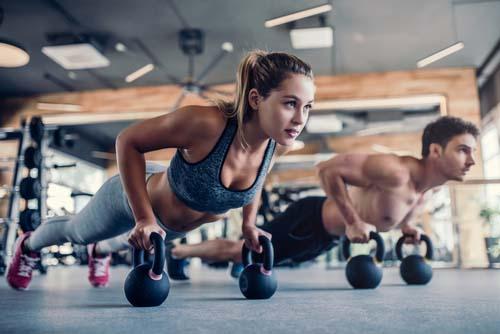 La musculation ralentit le vieillissement