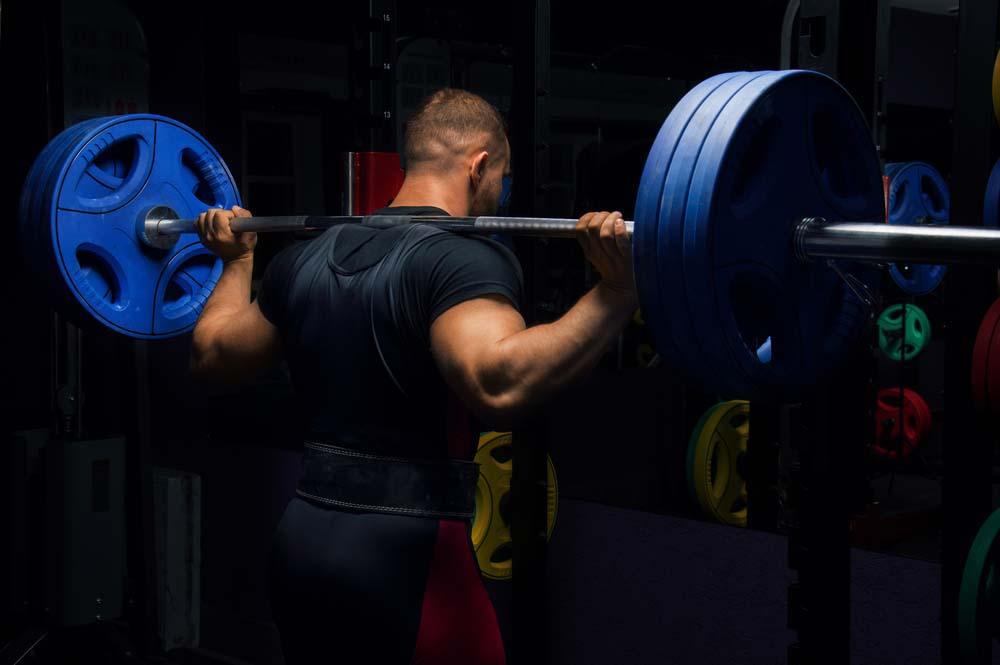 Pousser plus lourd au squat