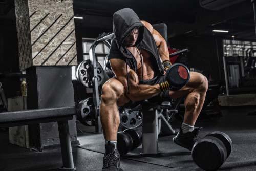 Une séance de musculation peut durer moins d'une heure