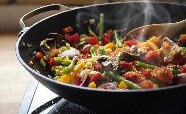 Wok de légumes, riche en fibres