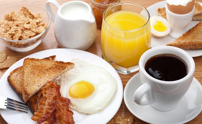 Petit déjeuner protéiné équilibré