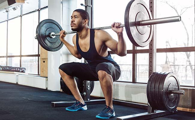 Un mouvement polyarticulaire : le squat
