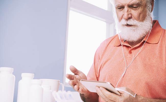 Compléments alimentaires: des risques pour les seniors?